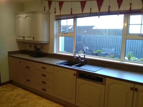 Kitchens – Bedrooms- Furniture respray service